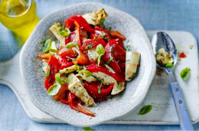 Roasted red pepper & artichoke salad